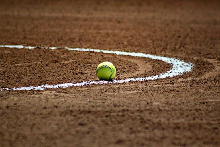 softball, baseball, ball-372979.jpg