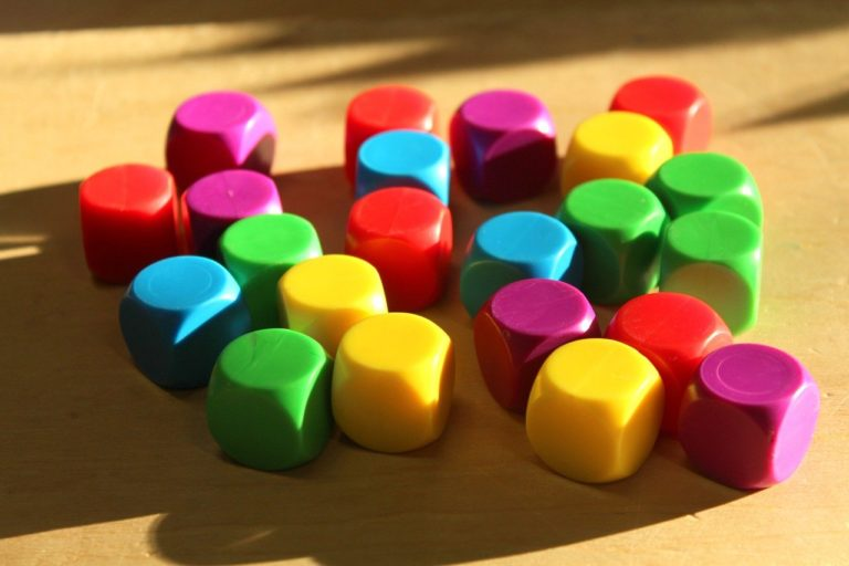 cubes, colorful, game-3983666.jpg